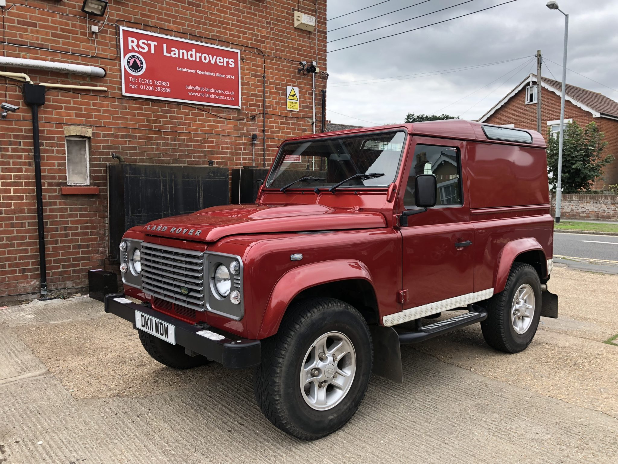home   rst landrovers